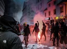 Nach G20: Warum es verdammt gefährlich ist, Faschisten und Linke in einen Topf zu werfen