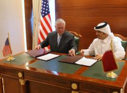 بلومبرغ تكشف: خارطة طريق أميركية بريطانية لحل الأزمة الخليجية.. والدوحة قد تقبل الرقابة الدولية بشرط واحد