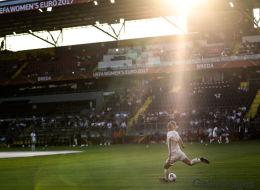 Deutschland - Italien im Live-Stream: Fußball-EM der Frauen online sehen, so geht's