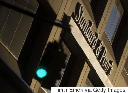 S&P για Ελλάδα: Αναβάθμιση της «προοπτικής», αμετάβλητη η αξιολόγηση της πιστοληπτικής ικανότητα