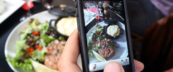 PHOTOGRAPHING A DISH