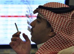 السعودية: منع التدخين في محيط المساجد والمصارف والعديد من المواقع الأخرى