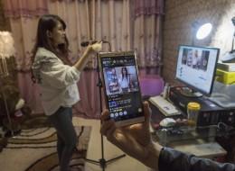 كيف تجني 100 ألف دولار شهرياً في الصين عبر البث المباشر لحياتك!