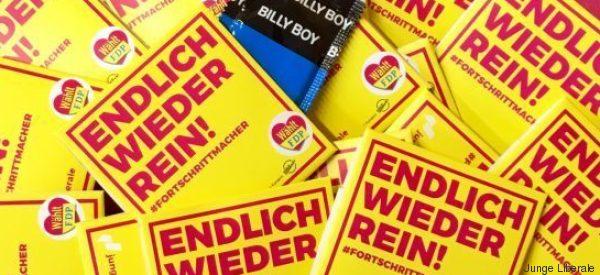 Der FDP-Nachwuchs wirbt mit einem Kondom - und einem grenzwertigen Spruch