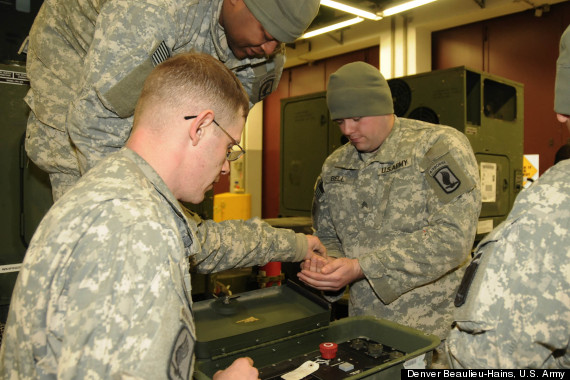 U S  Army: Solar Generator Training Given To Troops Before Heading