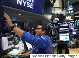 Ρεκόρ του Dow Jones, χάρη στην Apple: Πρώτη φορά πάνω από τις 22.000 μονάδες
