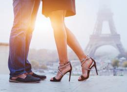المرأة تدفع أكثر.. ما الأسباب التي تجعل الملابس النسائية أغلى من الرجالية؟