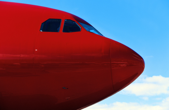 plane red