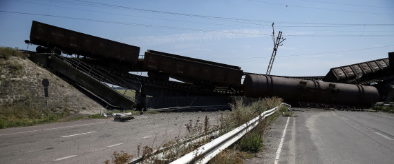 TRAINS COLLAPSION