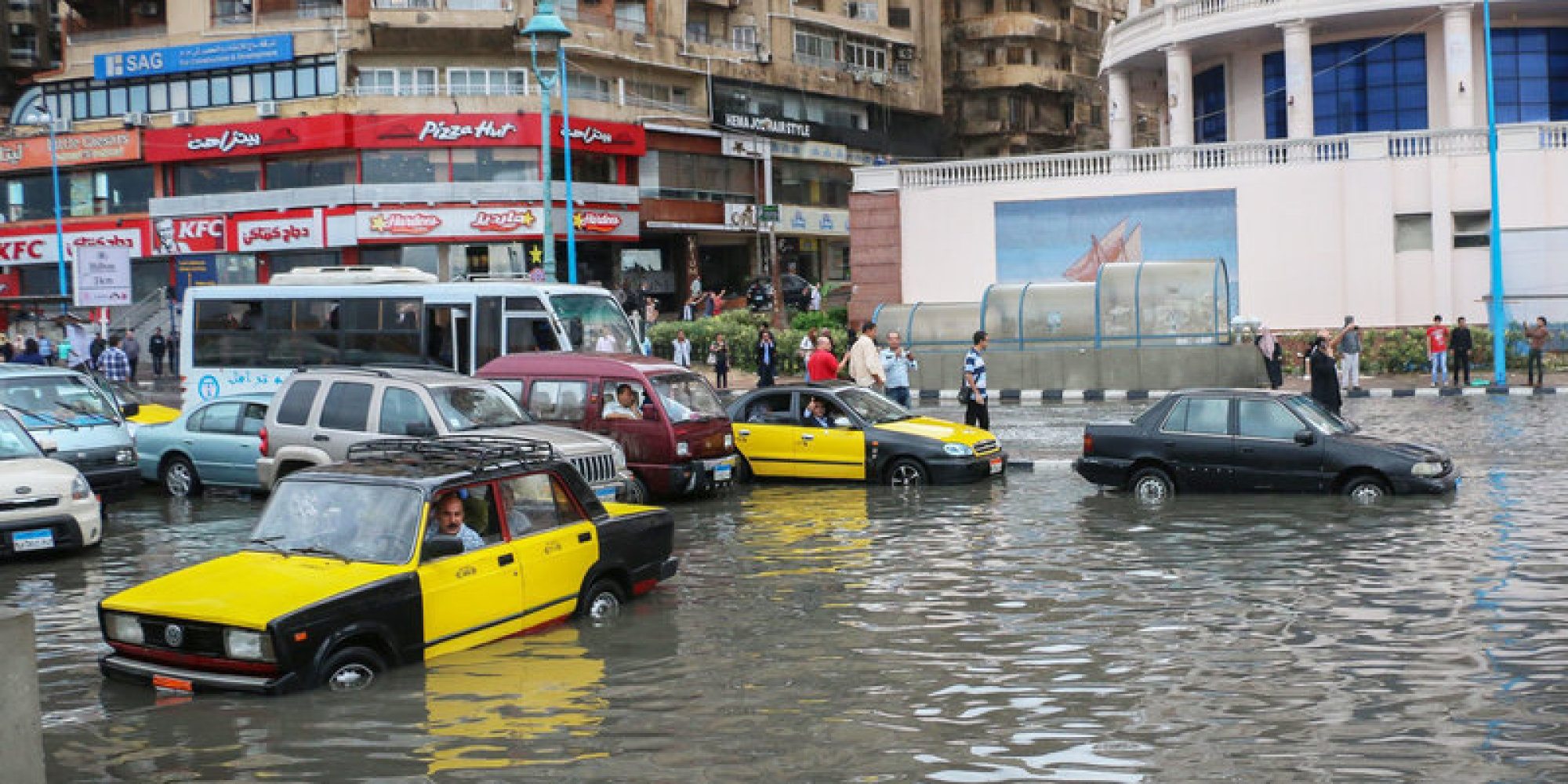 البحر يبتلعها تدريجياً.. هل تغرق دلتا النيل وتواجه مصر كارثة محققة؟
