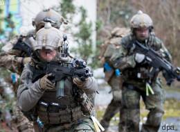 Schweineköpfe und Hitlergrüße: Skandalfeier des KSK erschüttert Bundeswehr