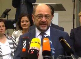 Schulz trauert um die Opfer von Barcelona - und bekommt nicht mit, was die Kollegin hinter ihm macht