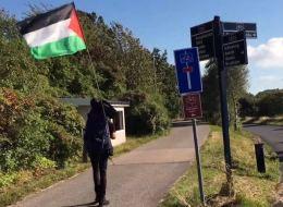 سيعبر 8 دول و5 آلاف كيلومتر مشياً على الأقدام.. يهودي يترك عمله ذاهباً للتضامن مع فلسطين، فيديو مع تفاصيل