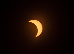 لم يشهد بلدُك الكسوف الكلي النادر للشمس.. إليك أجمل الصور للحدث الفلكي المهيب