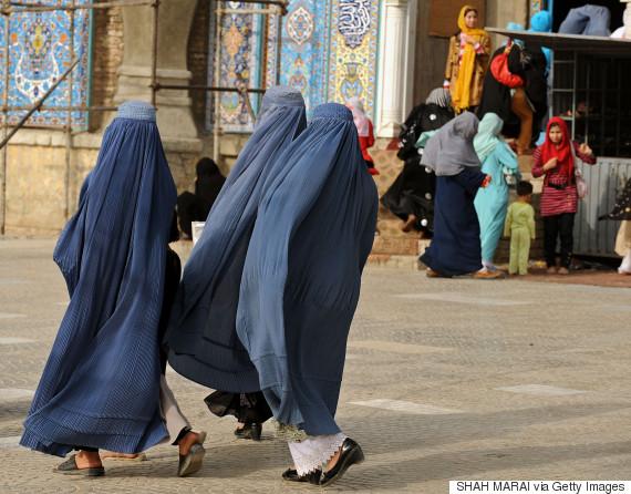 kabul street women
