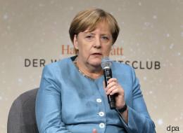 Eigentlich dreht sich das Interview um Weltpolitik - doch auf eine Frage reagiert Merkel überraschend emotional