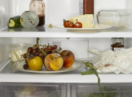 انس الطماطم الفاسدة في الثلاجة.. علماء يبتكرون ورق تغليف من