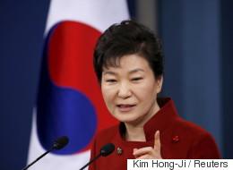 검찰이 '청와대 캐비닛 문건' 검토에 착수했다