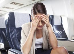 هل تصاب بالمرض بعد كل مرة تسافر فيها بالطائرة؟ إليك السبب الرئيسي