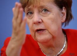 Reporter fragt Merkel, warum sie Martin Schulz ungern beim Namen nennt - ihre Antwort sorgt für Lacher