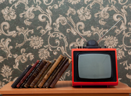 الكتاب أفضل من التلفزيون.. كيف يتغير الدماغ من خلال القراءة؟