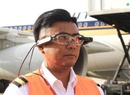 أفضل مطار في العالم يزوِّد العاملين بنظارات ذكية لفحص البضائع بمجرد النظر.. سيقلل وقت انتظار المسافرين للرحلات