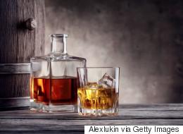 Η βιομηχανία του αλκοόλ αποκρύπτει την πραγματική σύνδεση ποτού-καρκίνου, λένε Βρετανοί επιστήμονες
