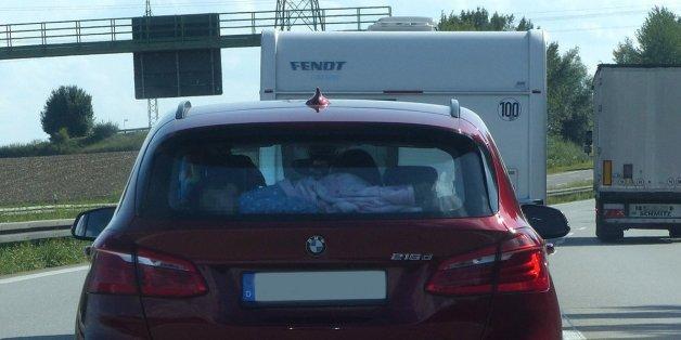 Autofahrer Fahrt Auf A9 Hinter BMW