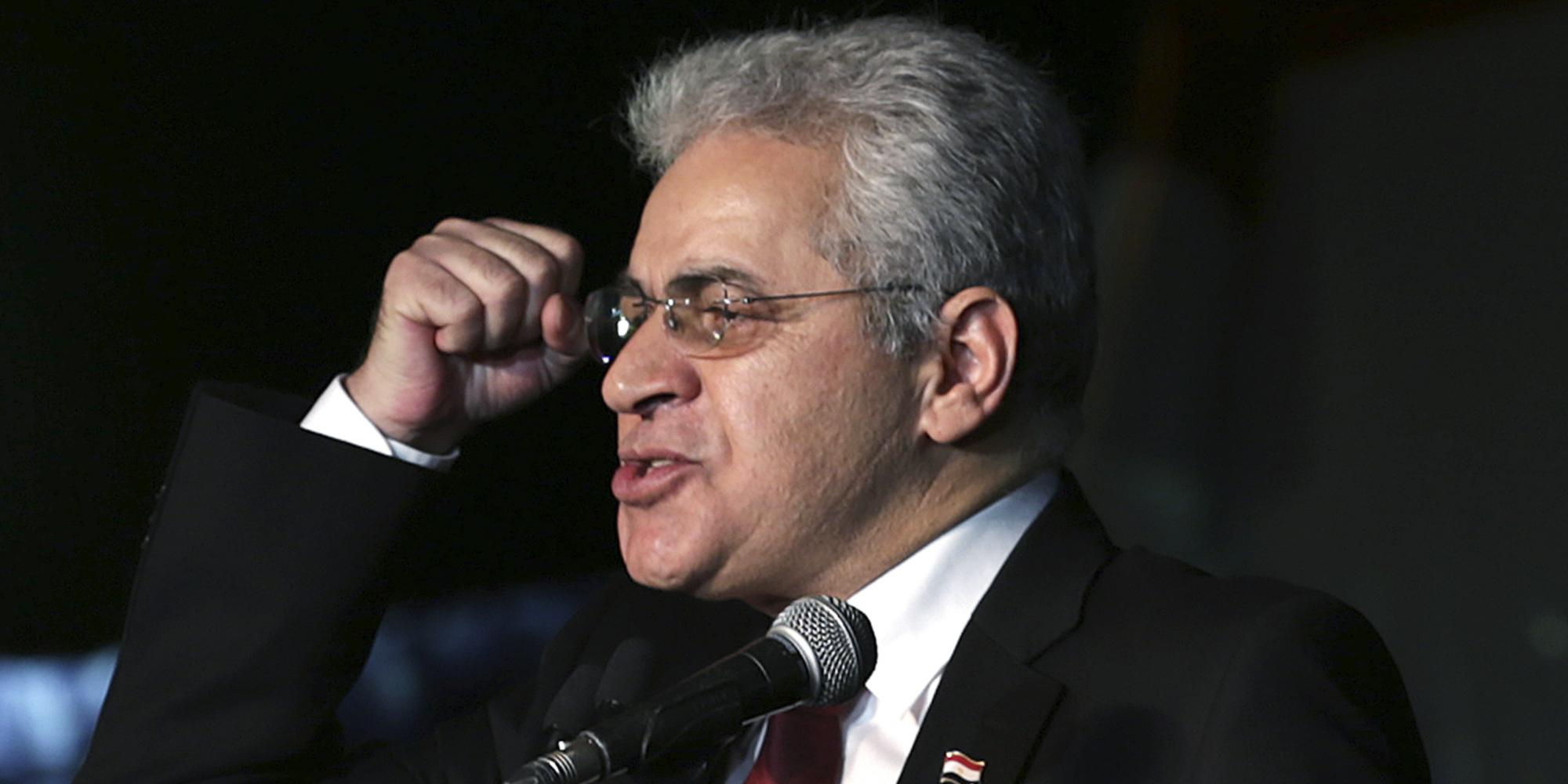 حمدين صباحي يعلن موقفه من خوض الانتخابات الرئاسية المصرية لعام 2018.. وهذا ما اتهم به السيسي