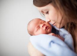 دعكِ من ضغوط المجتمع.. دراسة: الأمومة المتأخرة تزيد من ذكاء الطفل ولها فوائد أخرى