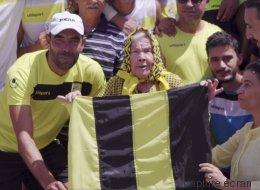 À la découverte de Bahija, 93 ans, la supportrice inconditionnelle de l'équipe de foot de Bizerte (VIDÉO)