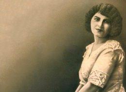 عشرة أشياء لا تعرفها عن الكاتبة