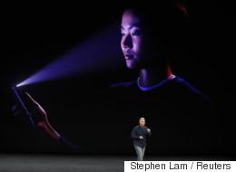 Βίντεο: Η γκάφα της Apple κατά την παρουσίαση του iPhone X