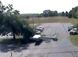 فيديو: طائرة تنقلب رأساً على عقب بعد لمس جناحها شجرة!