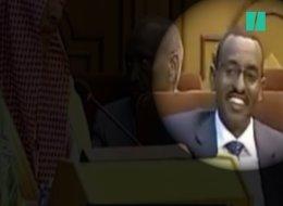 ابتسامة غريبة من مندوب جيبوتي تلفت الأنظار وسط مشادات الوزراء العرب.. فما سرها؟