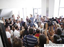 Ένταση στο Ειρηνοδικείο στη Λάρισα κατά τη διάρκεια κινητοποίησης για τους πλειστηριασμούς