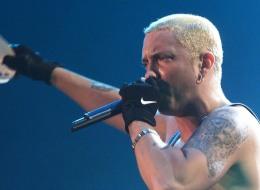 هل غنّى Eminem أغنيةً باللغة العربية؟ ما حقيقة ما تداوله تطبيق