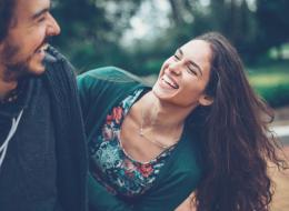 تلامسا كثيراً.. لا تعتبر حبّه من المسلّمات.. واسأله عن حاله وإن لم يرد.. 7 طرق لتحسين التواصل مع شريكك