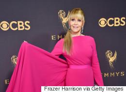 Στα 79 της, η Jane Fonda έδειξε σε όλους μας πώς γίνεται ένα σωστό κόκκινο χαλί