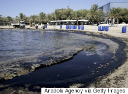 Σε εξέλιξη η συστηματική δειγματοληψία του ΕΛΚΕΘΕ για την πετρελαιοκηλίδα στον Σαρωνικό