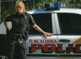 Polizistin wurde aus dem Job gemobbt, als sie ein Baby bekam - das ließ sie nicht auf sich sitzen