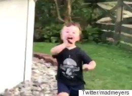 4초 만에 보는 육아의 어려움(동영상)