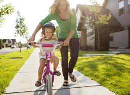 15 لحظة من لحظات الأمومة التي تذكرك بأن كل شيء يستحق