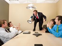 التعامل مع الموظفين والنظرة للنجاح والترقيات تحدد.. 10 علامات على