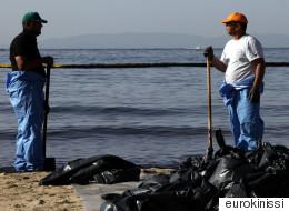 Αυτοψία στο σημείο του ναυαγίου στον Σαρωνικό για την πορεία των εργασιών απορρύπανσης
