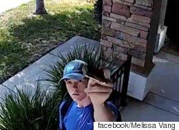 낯선 남자가 우리집 CCTV 카메라에 한 행동