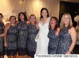 들러리도 아닌데 결혼식에 6명이 같은 옷을 입고 왔다