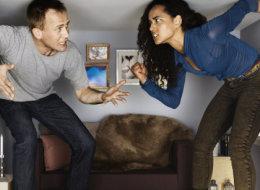 هل العيش في مكان ضيق مع زوجك قد يؤدي إلى فشل الحياة الزوجية؟