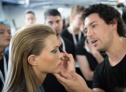 Die Beautyindustrie nutzt unsere Unsicherheit aus, um Profit zu machen - und wir Frauen fallen reihenweise darauf rein