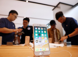 يعجبك هاتف iPhone X الجديد لكنه باهظ الثمن؟ هذه البدائل قد تكون مناسبة لك